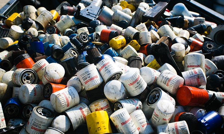 Used oil cans